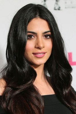 Top 80 Famosas Foroalturas - Página 2 Emeraude-Toubia-at-NYLON-and-BCBGenerations-Annual-Young-Hollywood-May-Issue-Event-on-May-12-2016-267x400