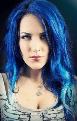 Alissa White Gluz Height Weight Size Body Measurements Biography